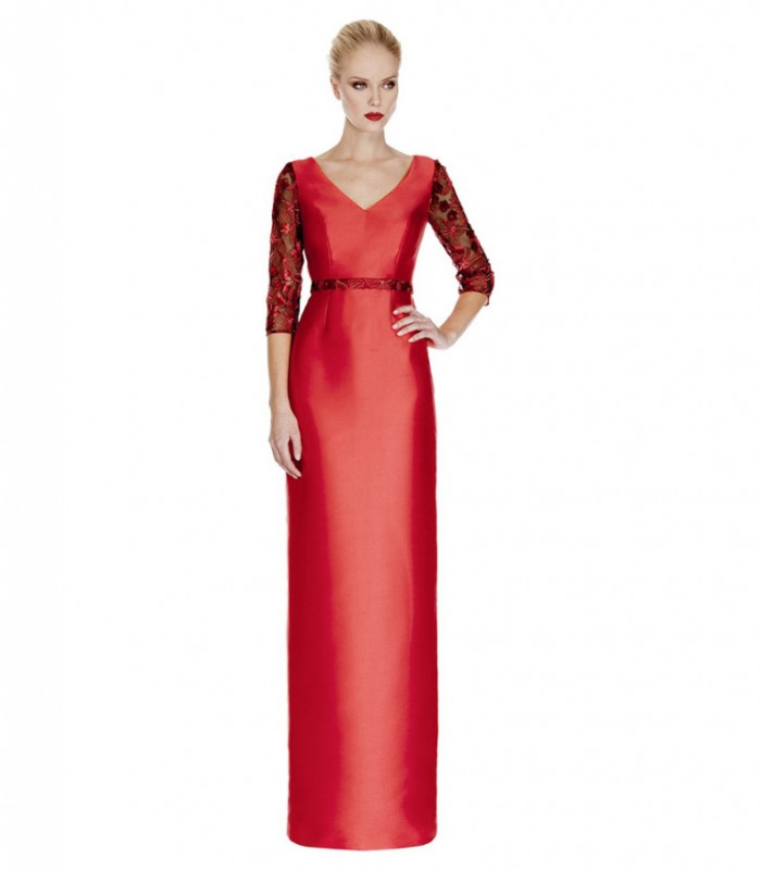 Long dress with v-neckline and open back