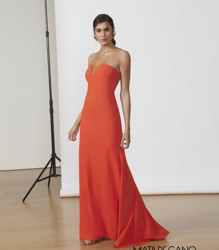 Long mermaid dress with cuore neckline