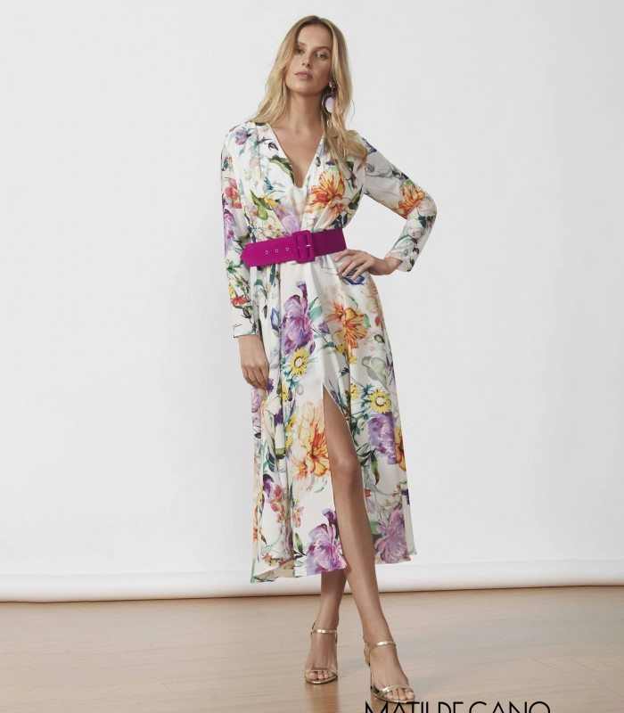 Printed dress with V-neckline and side slit