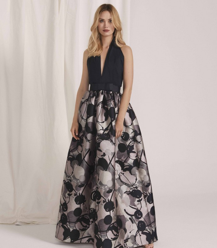Long dress with deep neckline and A-line skirt