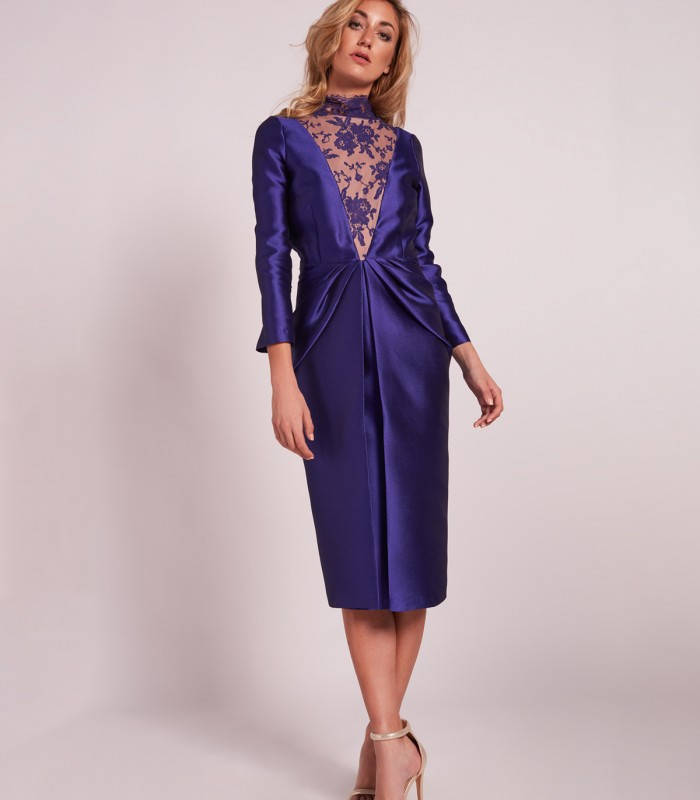 Midi Dress with straight neck and lace turtleneck