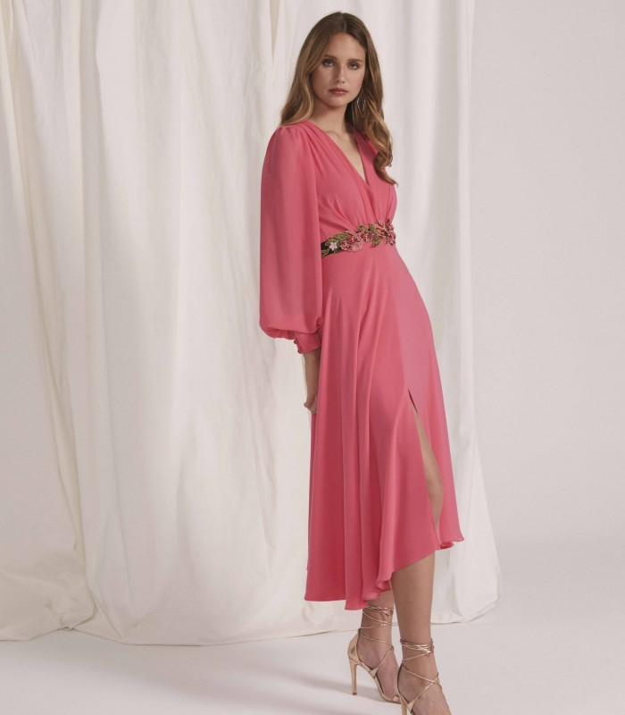 Long dress with surplice neckline with puff sleeve and central slit