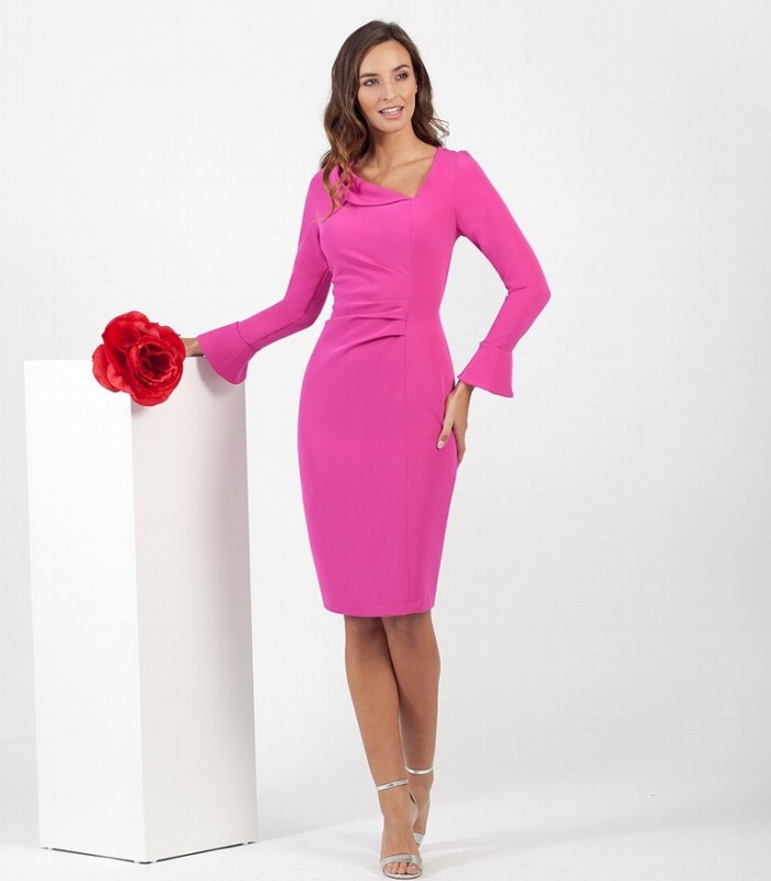 Short dress with asymmetric neckline and gathered at the waist