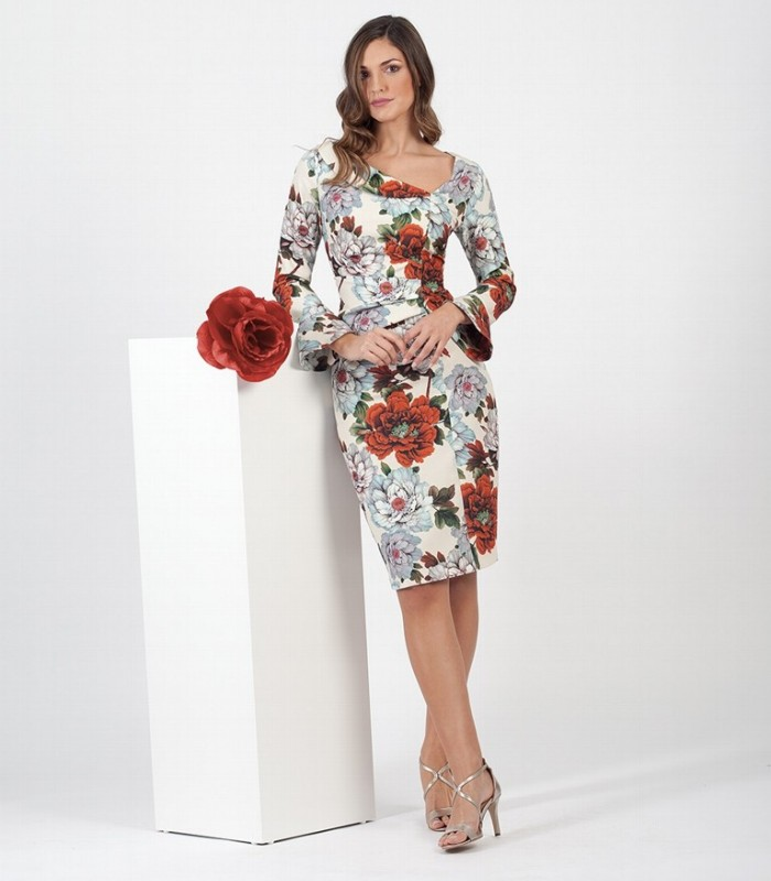 Printed short dress with asymmetric neckline and gathered at the waist