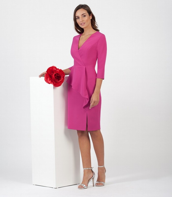 Short dress with ruffles at the waist and French sleeves