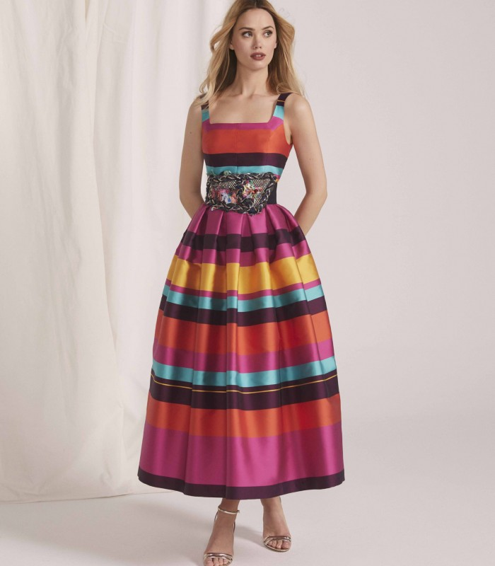 Printed midi dress with neckline and skirt with tables in bolero style