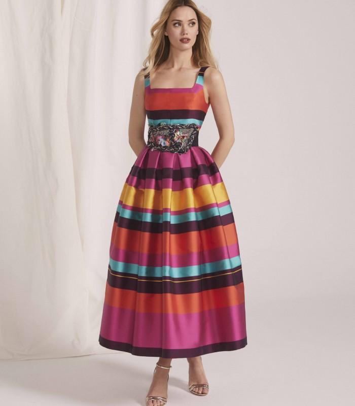 Vestido midi estampado con escote y falda con tablas estilo bolero