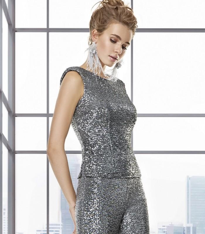 Sleeveless round neck sequin top