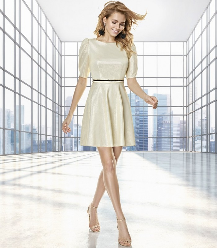 Short flared dress with short gigot sleeves and belt