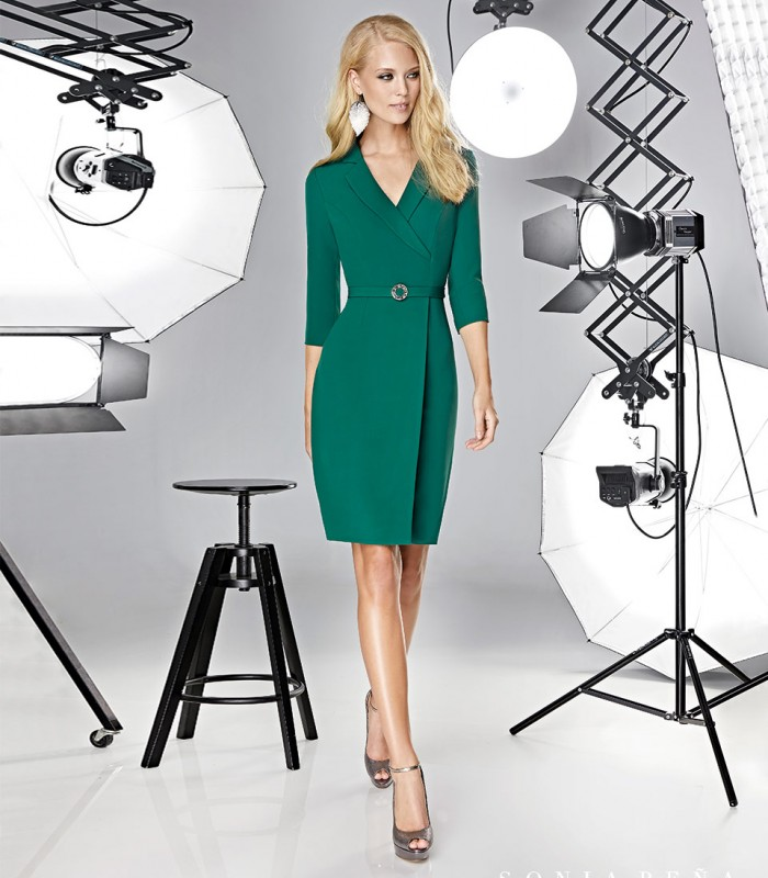 Short and wrap dress with French sleeves and belt included