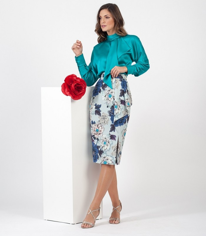 Plain blouse with neck tie and long sleeves