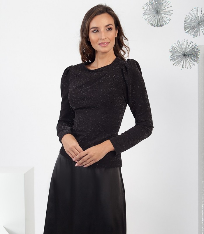 Round neck blouse with Gigot sleeves