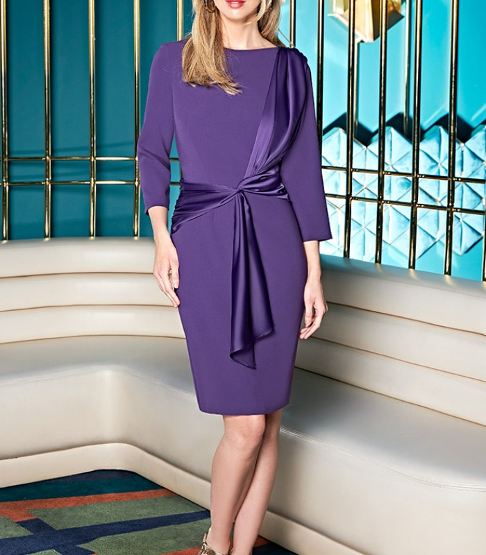 Short dress with French sleeves with tie at the waist