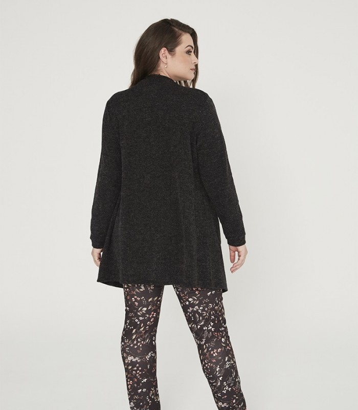 Long-sleeved knitted cardigan with pockets