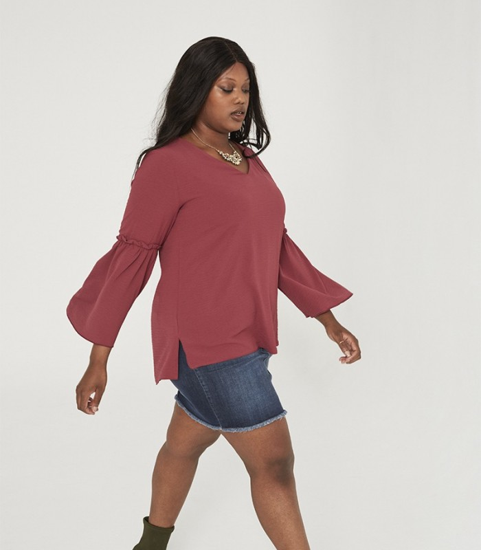 Plain blouse with V-neckline with gathered and flared sleeves