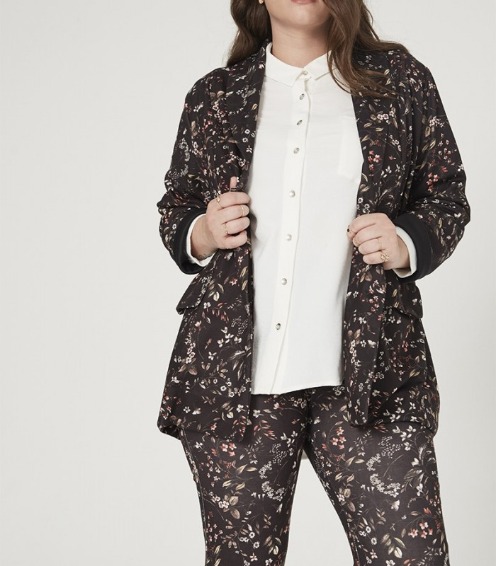 Floral print blazer with flap pockets
