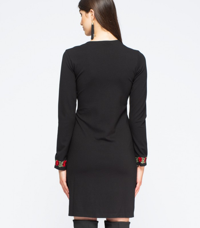 Long-sleeved knit dress with embroidered collar and cuffs