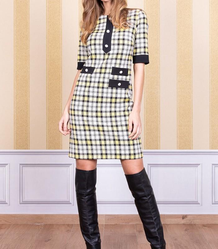 Short tartan print dress with pockets and buttons