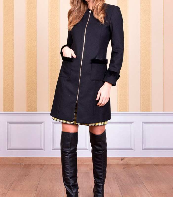 Long coat with zip and side pockets