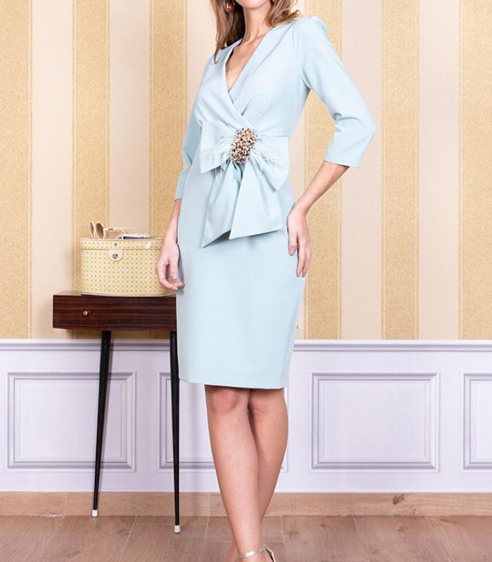 Vestido de escote cruzado con lazo a un lateral de la cintura