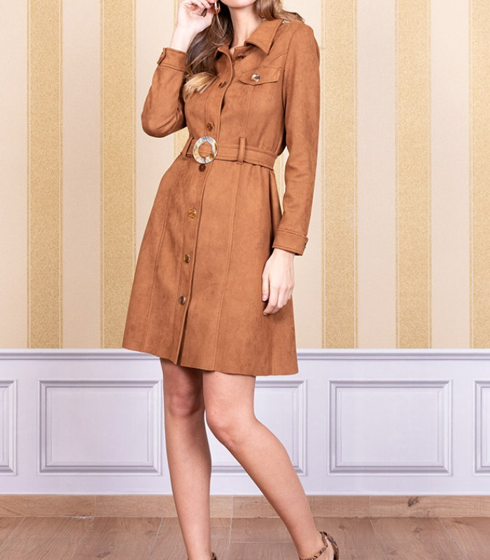 Short dress with buttons in the center and belt included