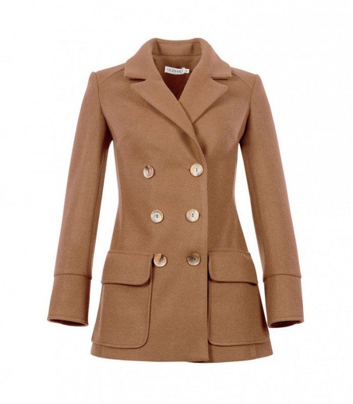Double-breasted coat with lapels and central buttons