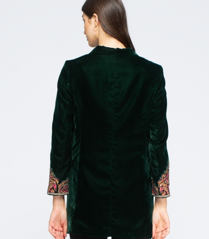 Fine velvet blazer with embroidery on pockets and cuffs