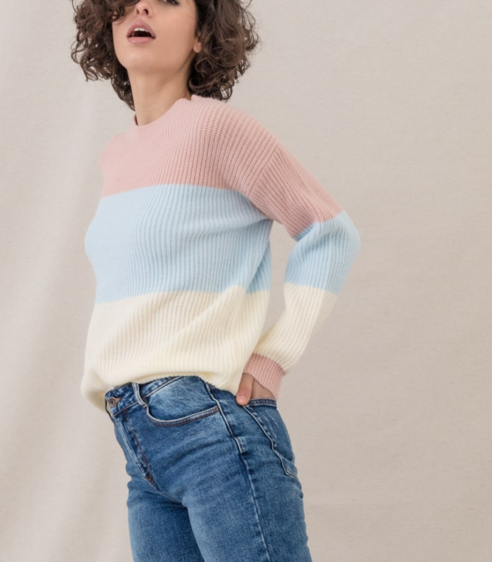 Knitted sweater with tricolor stripes and round neck