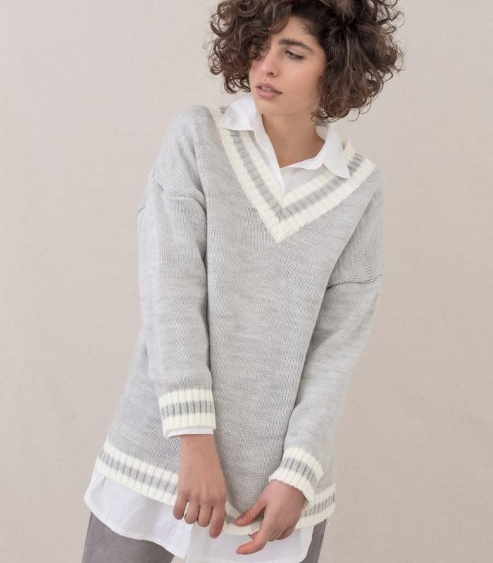 Jersey de punto con escote en pico y estampado de rayas