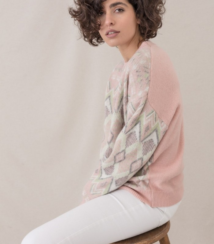 Geometric-print sweater with jacquard knit fabric