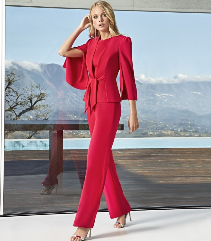 Top jacket and pants set with semi-open sleeves