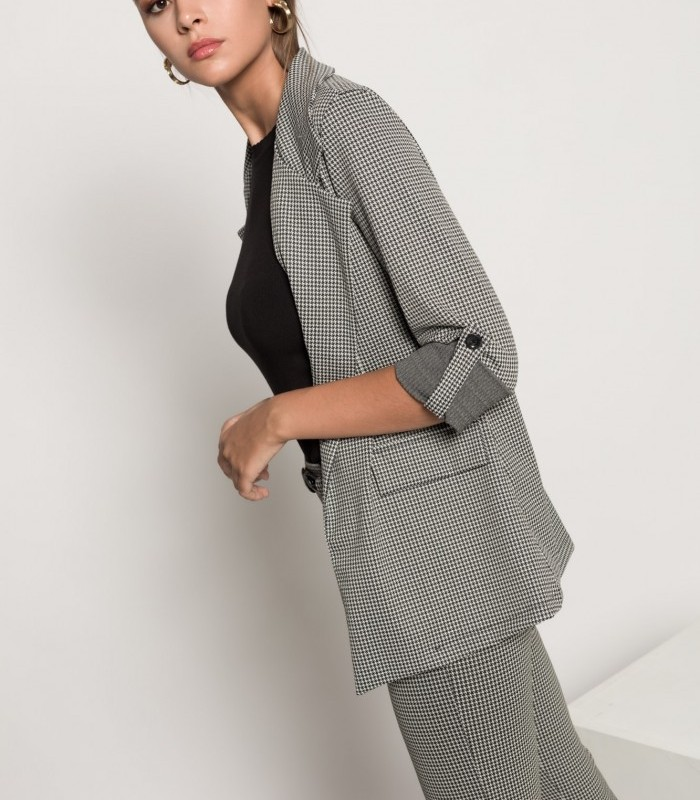 Houndstooth print blazer with collar and lapel