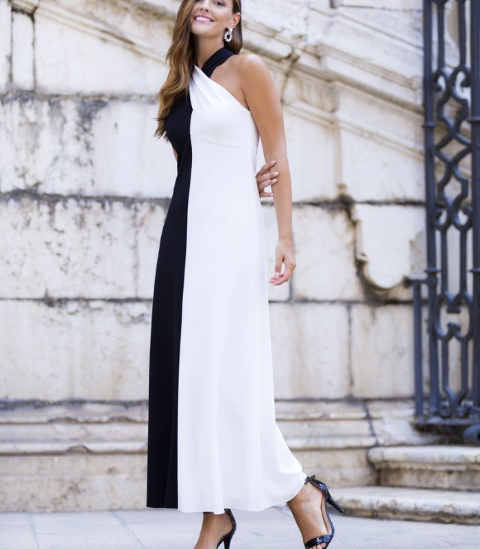 Long, two-tone dress with halter neckline and sleeveless