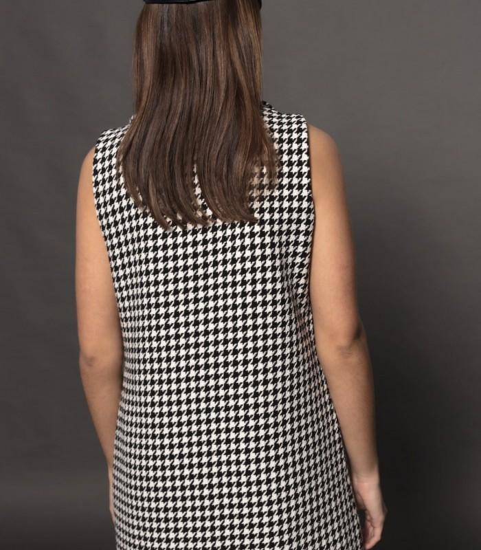Sleeveless V-neck houndstooth vest