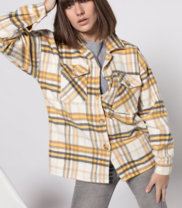 Checkered overshirt with lapel neck and long sleeves