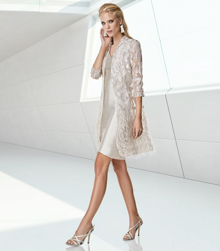 Short dress and coat set with embroidery and feathers
