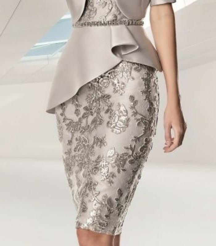 Conjunto de torera y vestido de bordado floral con peplum