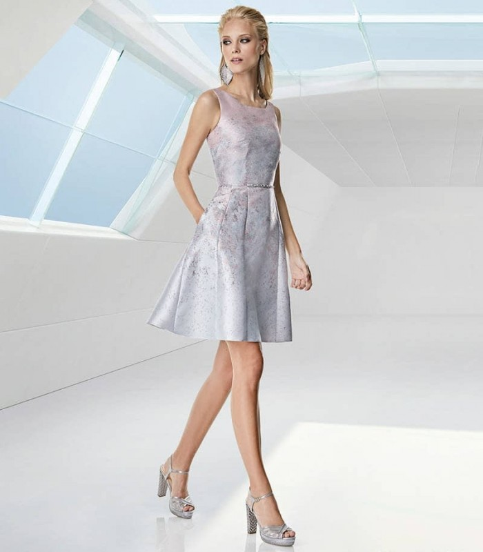 Short flared dress with beaded waist print