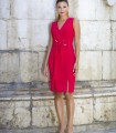 Short straight dress with V-neckline with knot at the waist