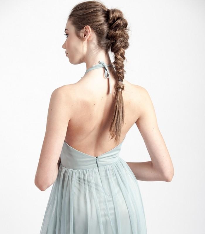 Vestido largo de tul con escote halter y espalda descubierta