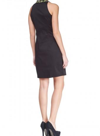 Vestido negro escote abalorios