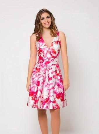 Vestido escote profundo de vuelo y estampado floral