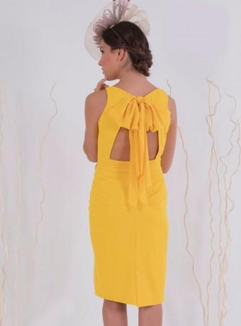 vestido amarillo espalda descubierta recto