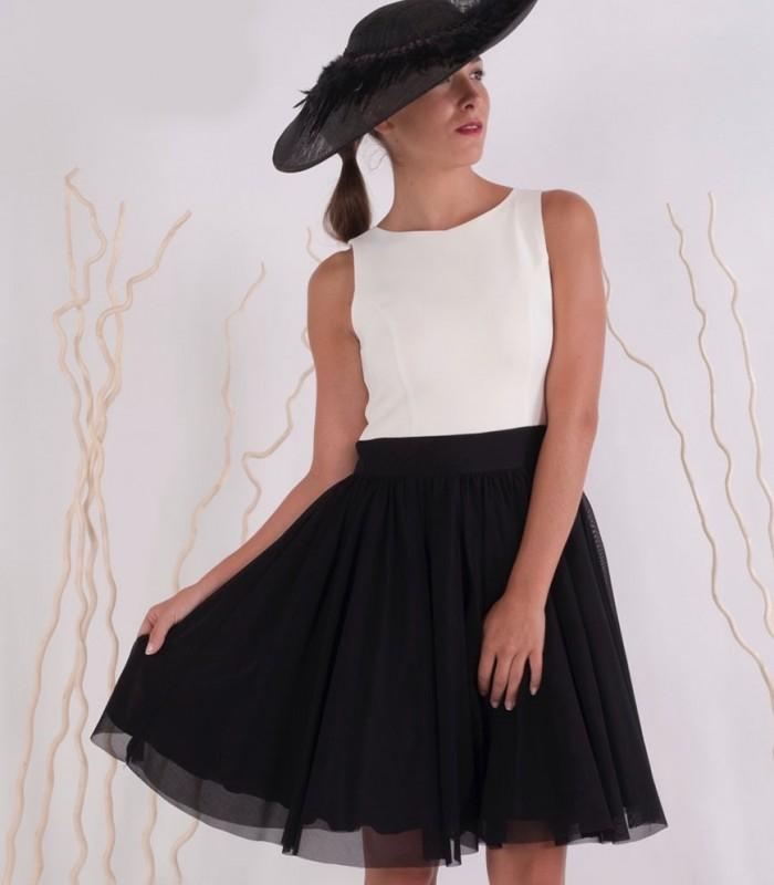 Vestido vuelo blanco y negro falda de tull