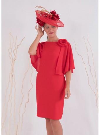 Vestido rojo recto con espalda descubierta