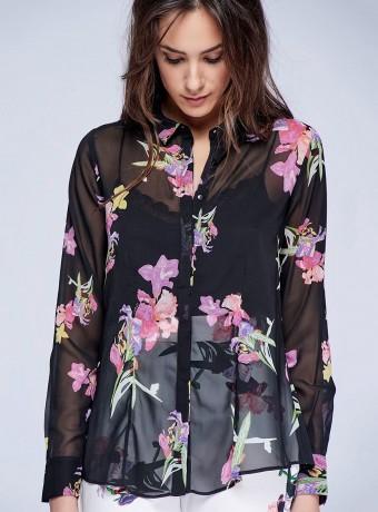 Blusa camisera estampada con manga larga